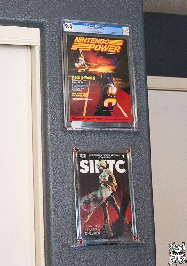 Comic Book / Magazine / Video Game Slab Stand Graded